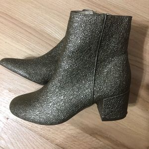 Urban outfitters size 7 glitter boot bootie